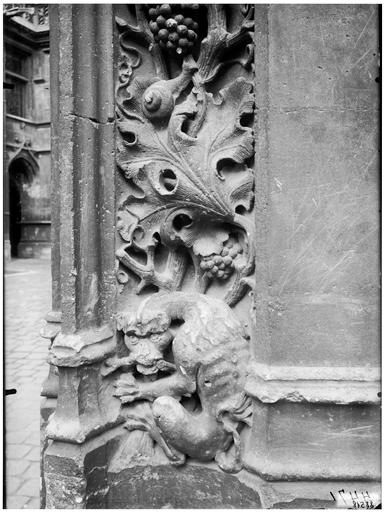 Sculpture du portail