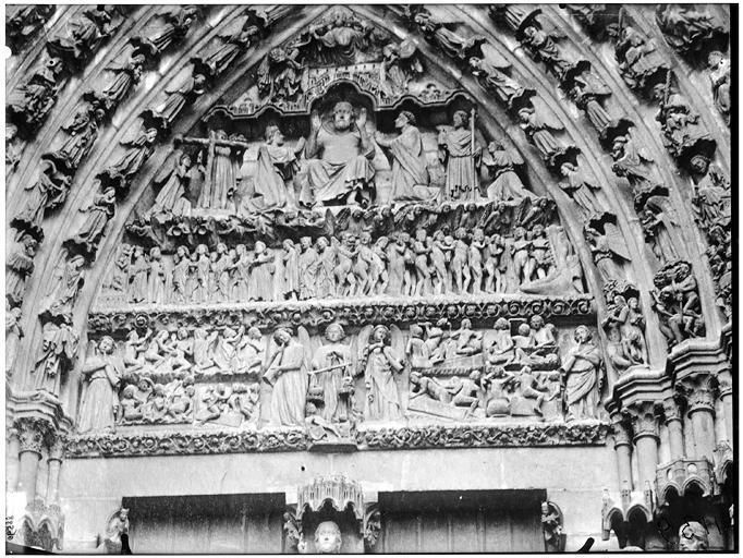 Portail central de la façade ouest, portail du Beau Dieu : tympan du Jugement dernier