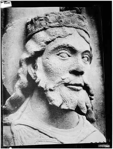 Portail royal de la façade ouest : Roi de Juda