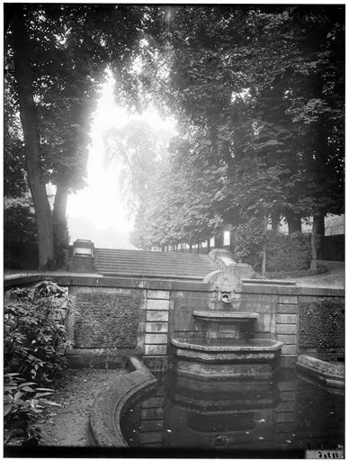 Fontaine des Goulottes, fontaine de rocaille