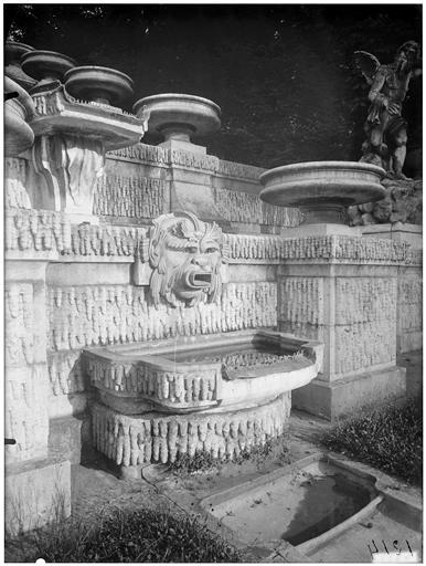 La grande cascade, dégueuloir de la fontaine