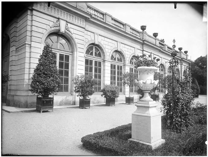Orangerie : façade sur jardin