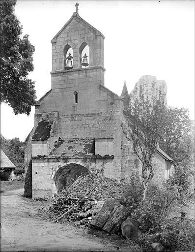 Eglise Saint-Maurice, et croix du cimetière