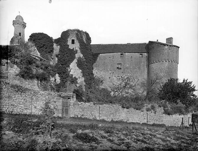 Ensemble nord-ouest : Porte fortifiée et tour ouest