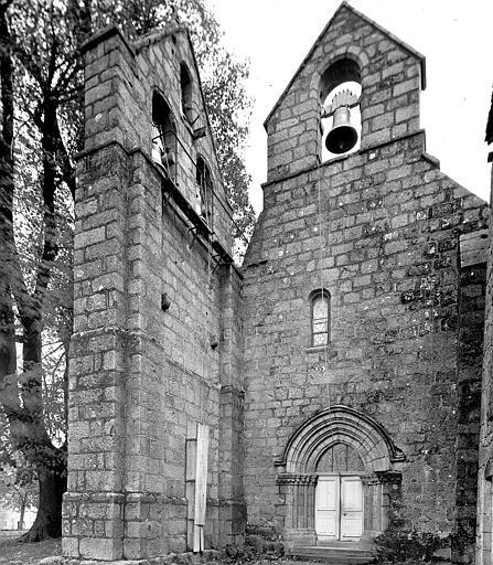 Double clocher mur