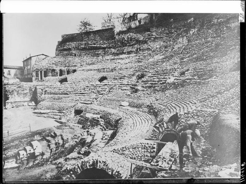 Théâtre antique (restes)