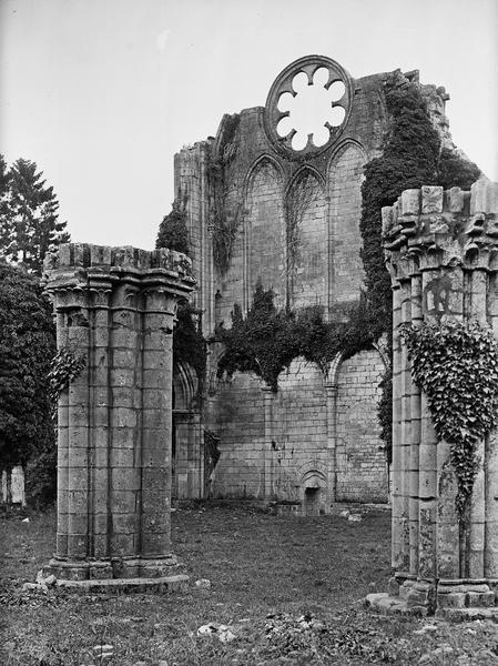 Intérieur du transept sud de l'église