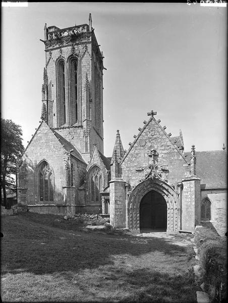 Chapelle de Saint-Herbot avec son calvaire