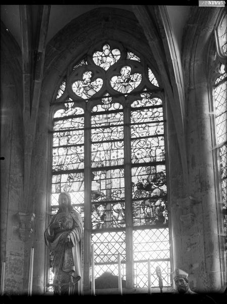 Crucifixion dominant Jérusalem, panneau de vitrail no 3, caisse 3,  intérieur