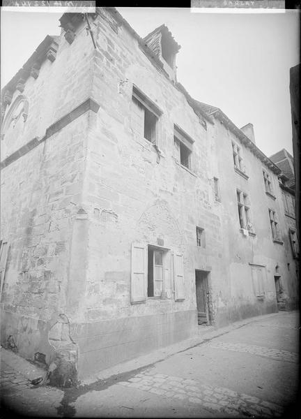 Angle des façades sur la rue