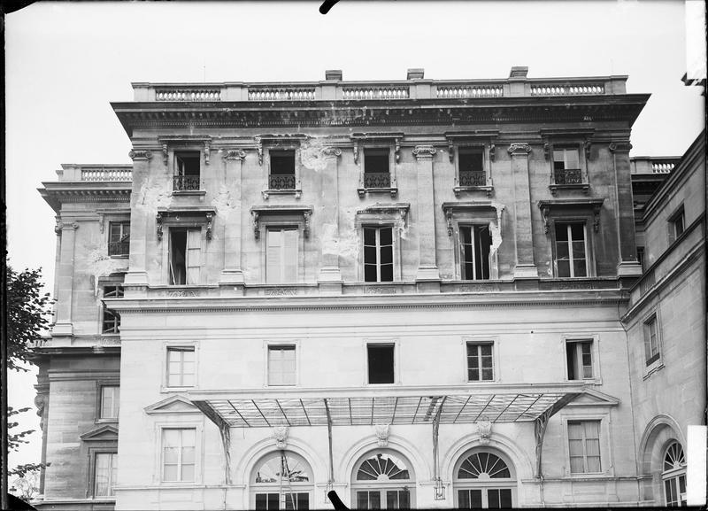 Après bombardement d'août 1944