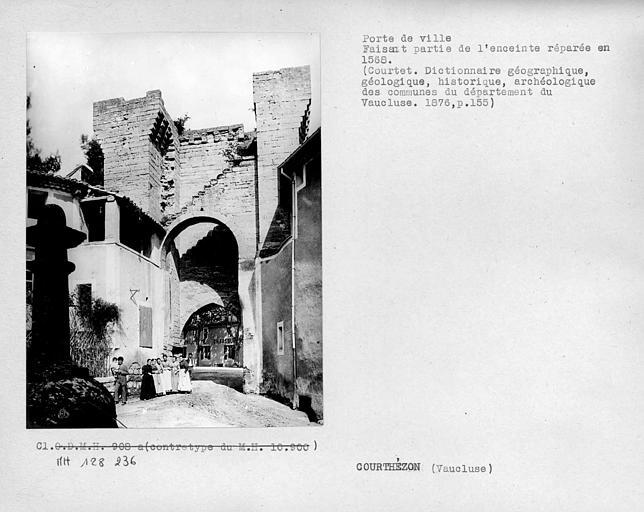 Porte de ville faisant partie des fortifications