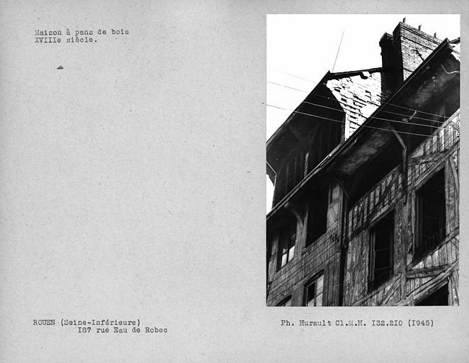 Avancée du toit de la façade en pan-de-bois