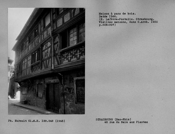 Façade en pan-de-bois sur rue des Moulins