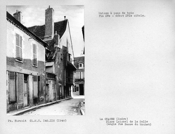 Façade en pan-de-bois à l'angle de la rue Basse du Moulet