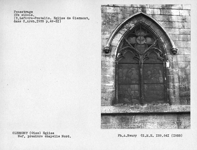 Fenestrage de la première chapelle nord de la nef, première travée de l'église