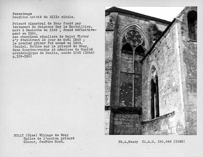 Fenestrages nord et est du bras nord du transept de l'abside