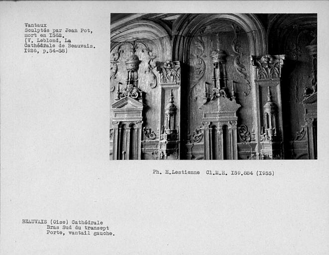 Bras sud du transept, vantaux de la porte sud, détail du vantail gauche