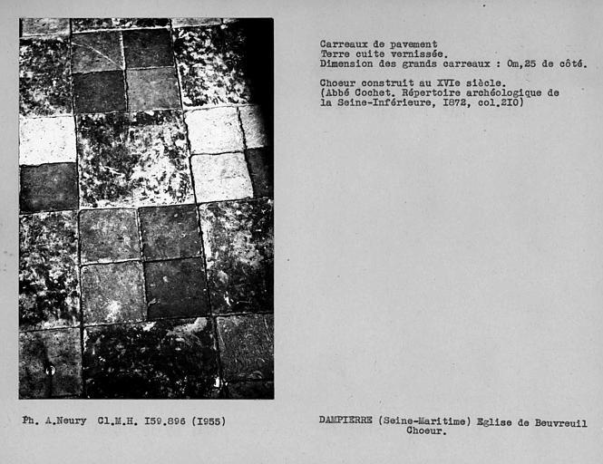 Carrelage du choeur, carreaux de pavement en terre cuite vernissée, grands carreaux,