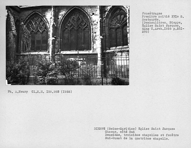 Fenestrages restaurés des deuxième et troisième chapelles du choeur, côté sud