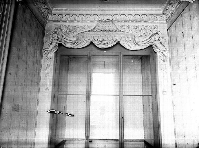 Premier étage, salon Doré : boudoir carré, alcôve, plâtre, époque Louis XVI