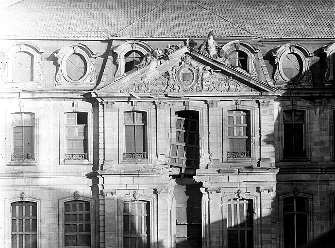 Bâtiment central : façade sur cour intérieure