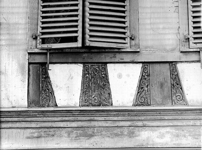 Panneaux du premier étage