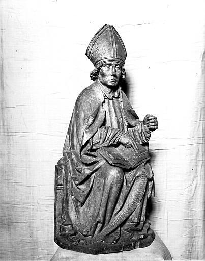 Statue en bois : saint Thiébaut, évêque assis avec un livre ouvert