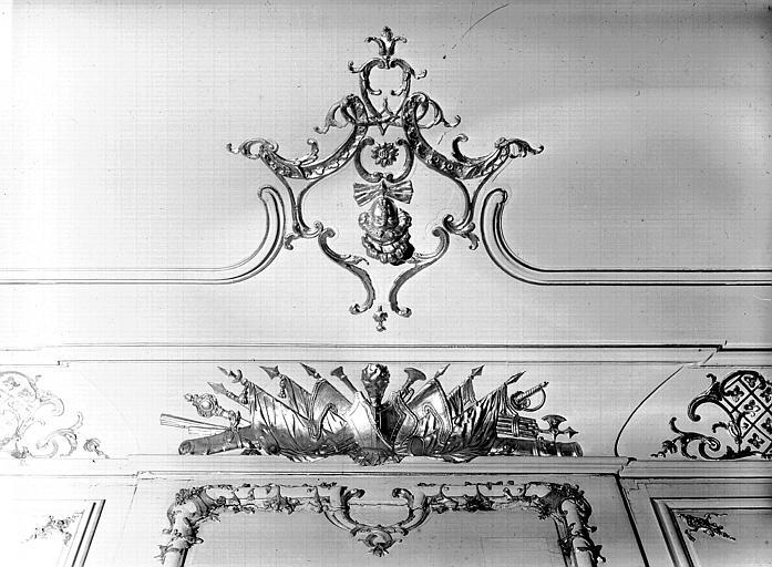 Grande salle du Conseil : décoration de corniche