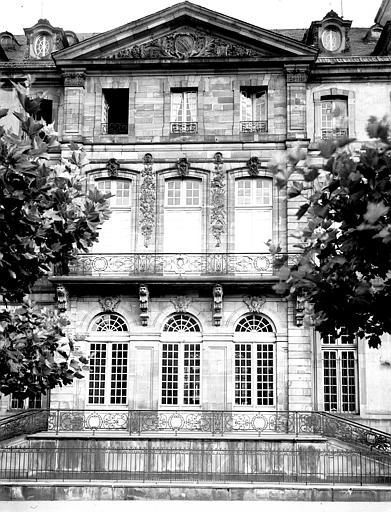 Centre de la façade