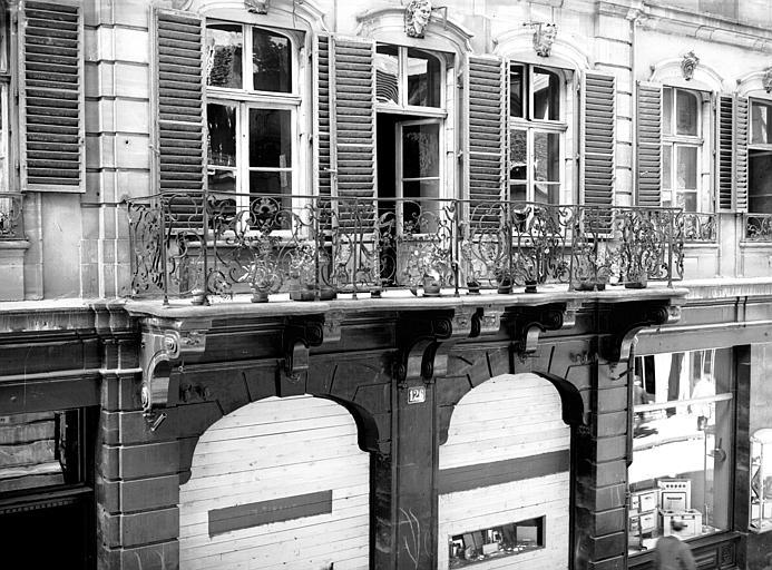 Balcon en fer forgé