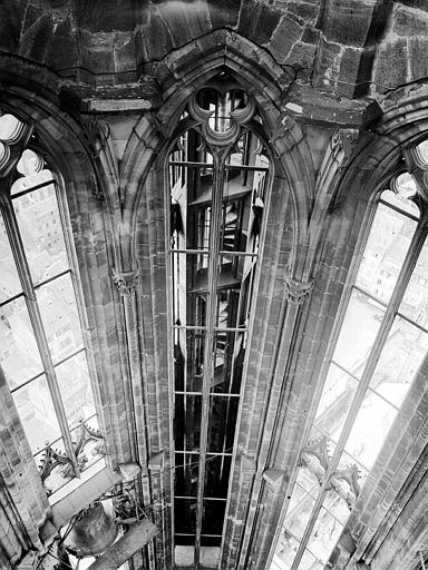 Plateforme : vue intérieure de la tour nord