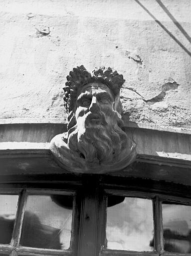 Mascaron : tête d'homme