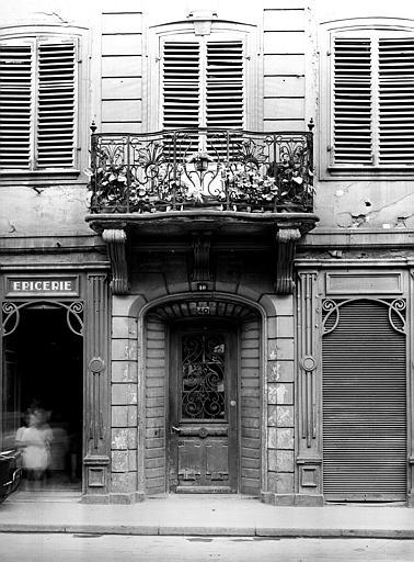 Balcon et porte en fer forgé
