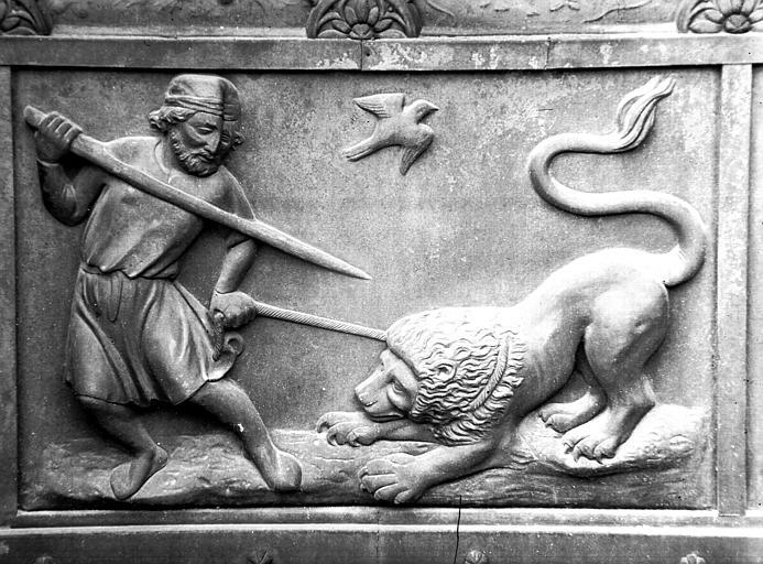 Combats avec les animaux : homme luttant avec un lion