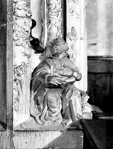 Carré du transept : personnage F