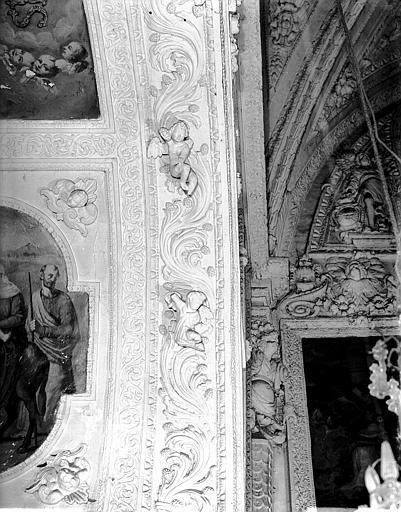 Transept, décoration intérieure en stuc