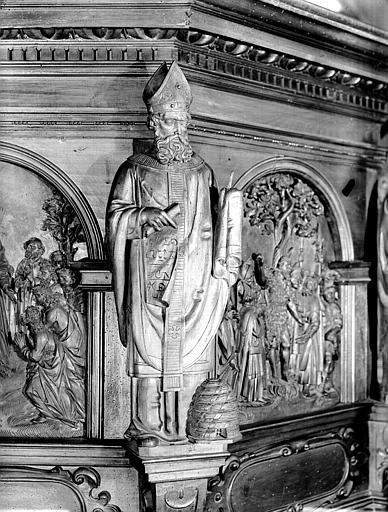 Chaire : statue et angle de panneau