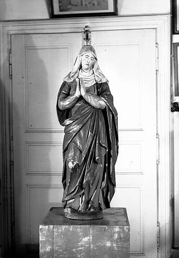 Statue : Vierge en prière