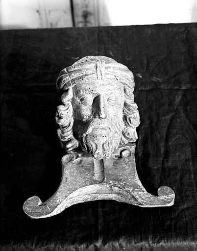 Petite tête de Christ, en bois