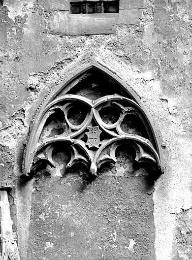 Détail d'arc gothique adossé à l'abside