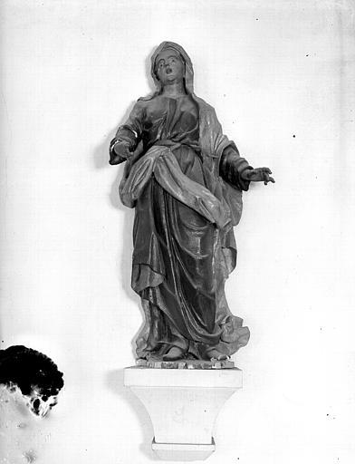 Statue de sainte