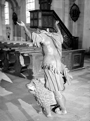 Statue : Samson de dos avec lion