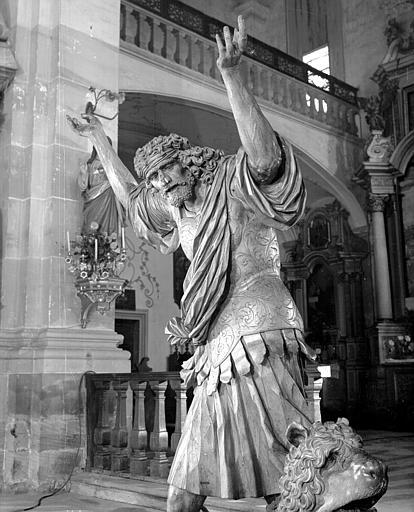 Statue : Samson, détail du profil droit
