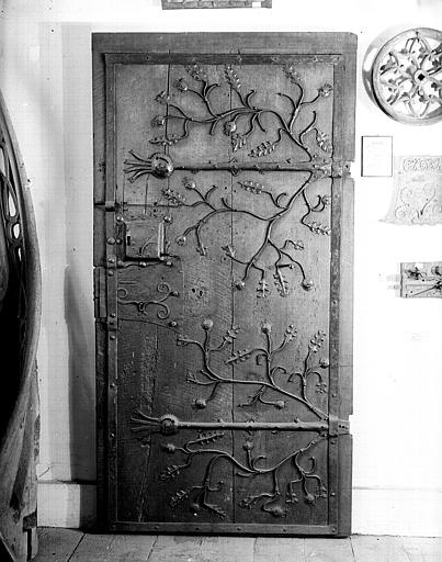 Porte ancienne de sacristie
