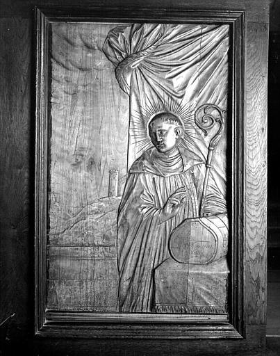 Bas-relief des stalles : un saint abbé