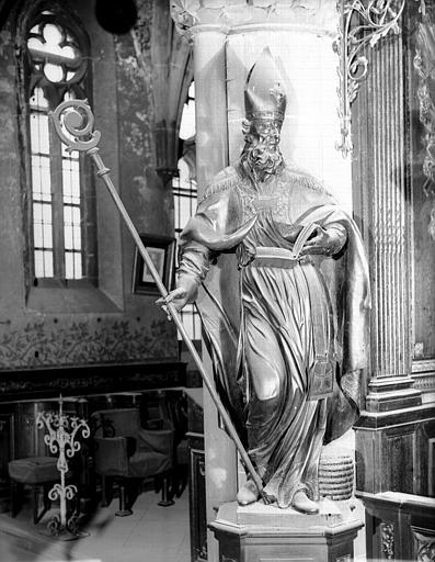 Statue en bois : saint Evêque