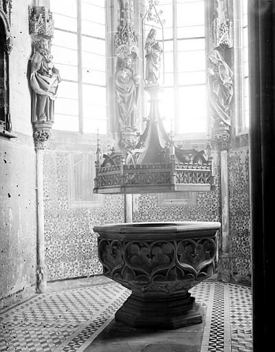 Baptistère du transept nord