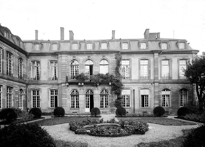 Hôtel des Deux Ponts ou Hôtel du Gouverneur militaire