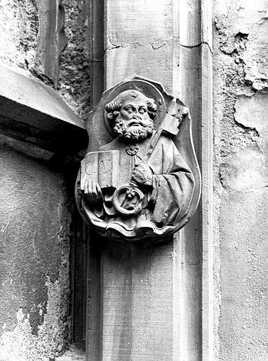 Cul-de-lampe : buste de saint Pierre avec une grosse clef